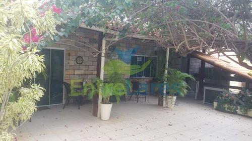 Jardim Carioca, 4 Quartos Sendo 1 Suíte, Cozinha Planejada, Box Blindex, 2 Vagas. Casa Com Possibilidade Para 2 Famílias. - Ilca40075
