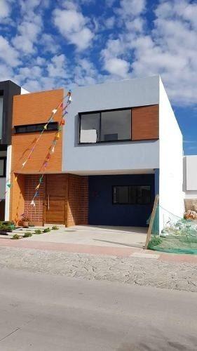 Casa En Venta Coto Zanthe, Estilo Moderna