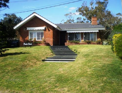 Buena Casa En Venta Punta Del Este- Ref: 25261