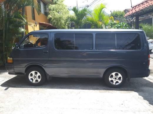 Toyota Hiace Microbus