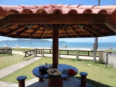 Casa De Veraneio Frente Ao Mar Com 3 Suítes Ar Condicionados