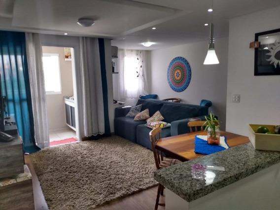 Apartamento Amplo Com Móveis Planejados - Taboâo
