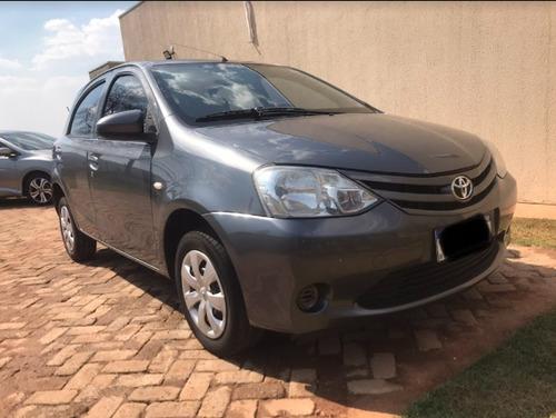 Imagem 1 de 7 de Toyota Etios
