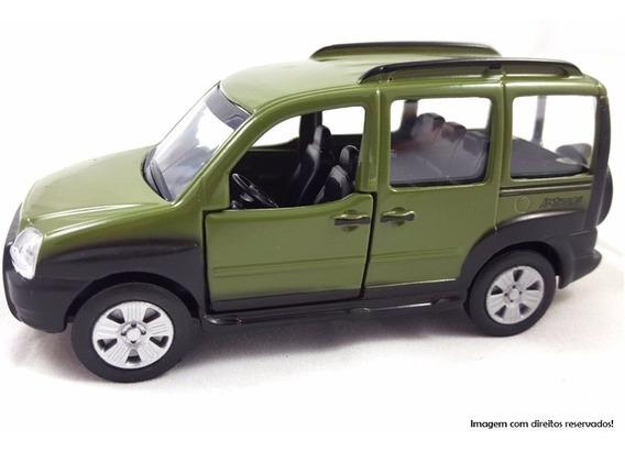 Miniatura Fiat Doblo Adventure - Escala 1:43 - Verde - Metal