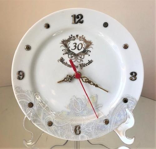 Imagem 1 de 4 de Relógio Bodas De Perola 30 Anos De Casamento 20,5m