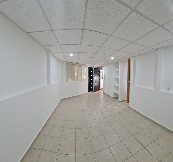 Bonita Oficina 45 M2 En 2 Piso Con 1 Balcon ,1 Baño,segurid