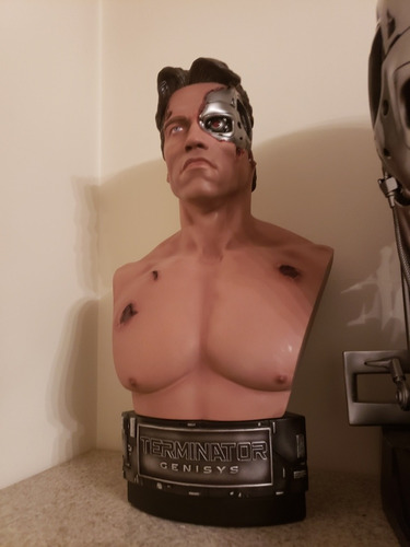 Busto Terminator Chronicle