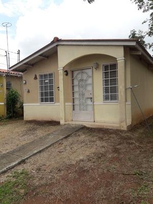 Alquilo Casa En Altos Del Tecal, En Esquina