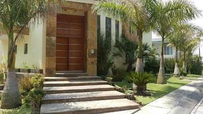 Amplia Casa En Renta En Valle Real