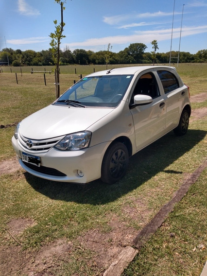 Toyota Etios 1.5 X 2016