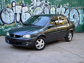 Chevrolet Corsa 1.6 Gls - Full Full - Permuto - Financio