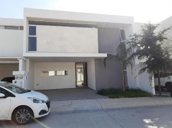 Casa En Condominio En Venta En Loretta, Aguascalientes, Aguascalientes