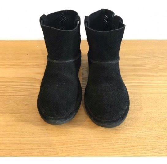 Botas Marca Ugg Color Negro - Modelo Mini Perf - Talle 35