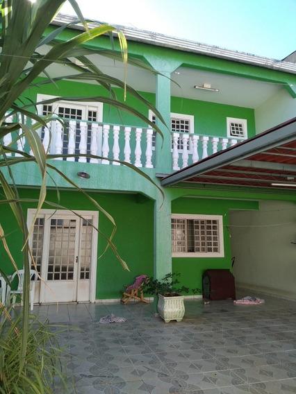 Casa 3 Quartos,3 Banheiros, 1 Sala,1cozinha,area De Serviço.