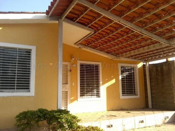 Casa En Alquiler Zona Norte Barquisimeto Lara 20-9946