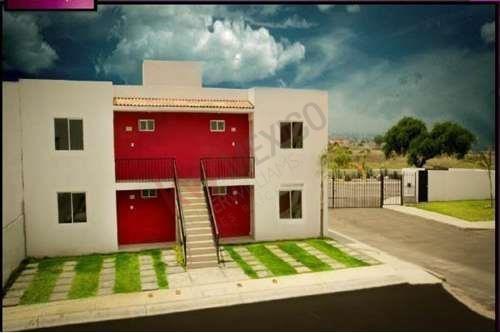 Venta De Departamento Planta Alta En Querétaro, Precio $560,000