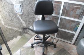 Cadeiras Caixa Alta Cor Preta Em Corvim 100,00