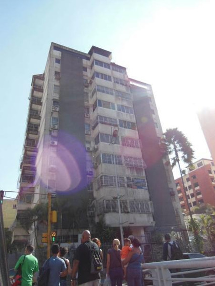 Oficina En Alquiler 19-19671 Yolimar Benshimol 04246157978