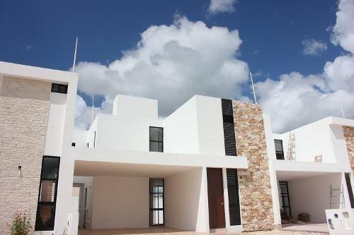 Casa En Venta, Privada Botánico, Conkal Zona Norte. Cv-6015