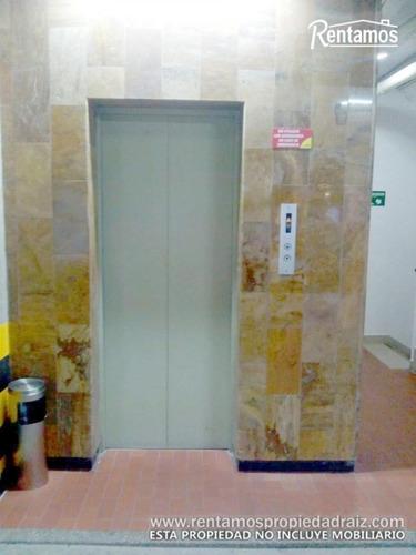 Imagen 1 de 7 de Oficina En  Arriendo