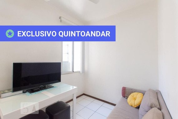 Apartamento No 4º Andar Com 2 Dormitórios E 1 Garagem - Id: 892950957 - 250957
