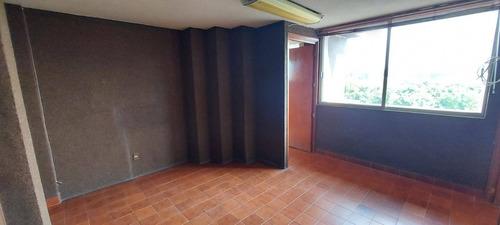 Imagen 1 de 14 de Oficina En Renta En La Calzada De Los Héroes León Gto.