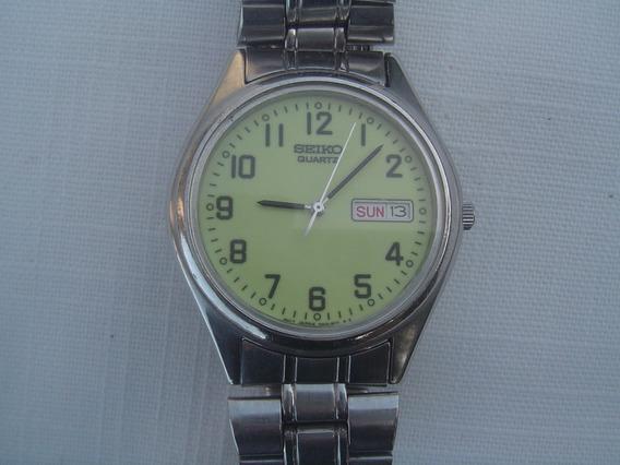 Relógio Seiko Quartz Mostrador Fosforescente