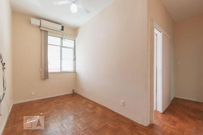 Apartamento No 2º Andar Com 1 Dormitório - Id: 892908575 - 208575