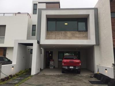 Residencia A Estrenar Con Roof Garden En Venta En Las Villas Residencial
