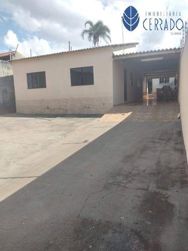 Imagem 1 de 15 de Casa Com Ponto Comercial No Bairro De Lourdes - Ca4232329