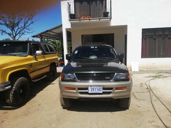 Mitsubishi Nativa Montero Sport