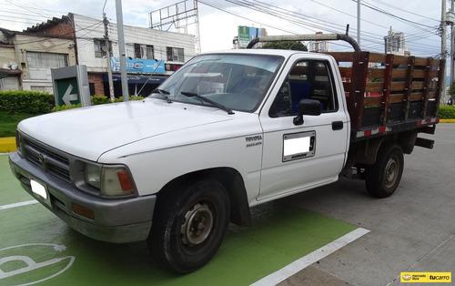 Toyota Hilux 2.4 2009 4x2