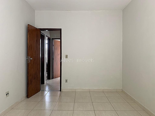 Imagem 1 de 30 de Ref.: 2044 - Oportunidade De Morar Bem Em Rua Tranquila No Bom Pastor - 663