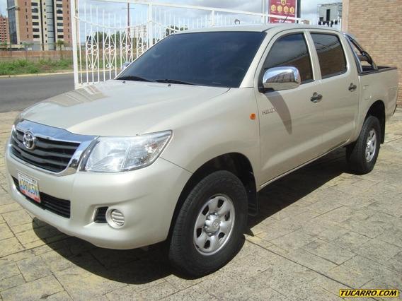 Toyota Hilux 4x2 - Automática