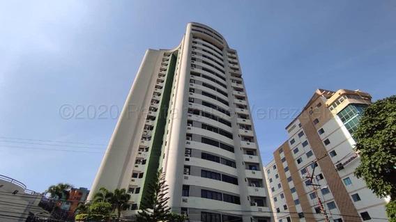 Apartamento En Venta Av Las Delicias Maracay 21-7647 Hcc