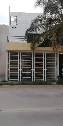 Se Vende Casa En La Colonia Parques Del Palmar, Tlaquepaque, Jal.
