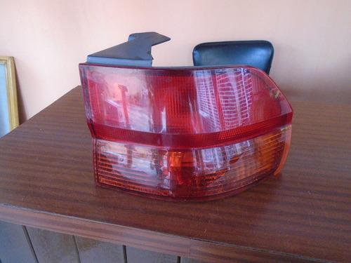 Vendo Lampara Trasera Derecha De Honda Odyssey, Año 2001