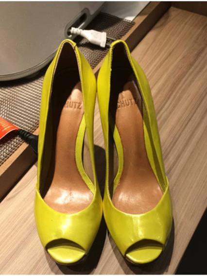 Sapato Peeptoe Meia Pata Bicolor Amarelos Schutz