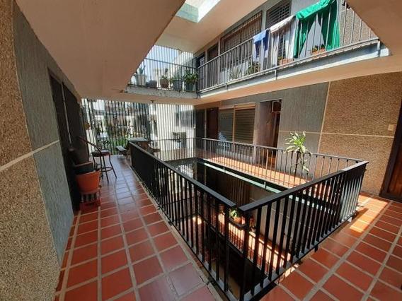 Apartamento En Venta. Morvalys Morales Mls #20-10739