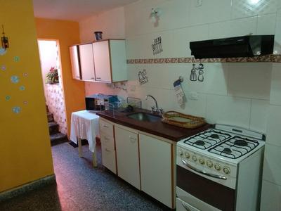 Cocina Comedor, 2 Baños Y 2 Habitaciones