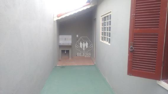 Casa Récem Reformada No Bairro Vila Arens Em Jundiai, (somente Fiador Ou Seguro Fiança). 1 Dorm, 1 Sala, 1 Cozinha Com Gabinete, Pia, 1 Banheiro Com Box Blindex, Chuveiro, Espelho - Ca01175 - 68176768