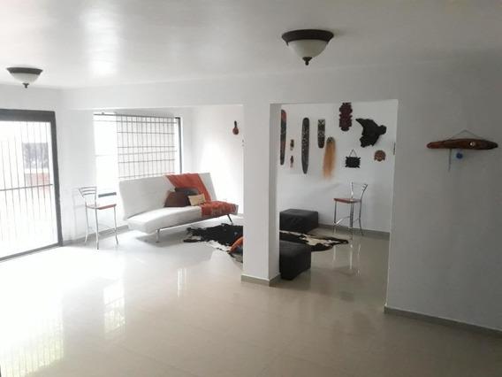 Casa En Venta El Parral Valencia Cod 20-4421 Ar