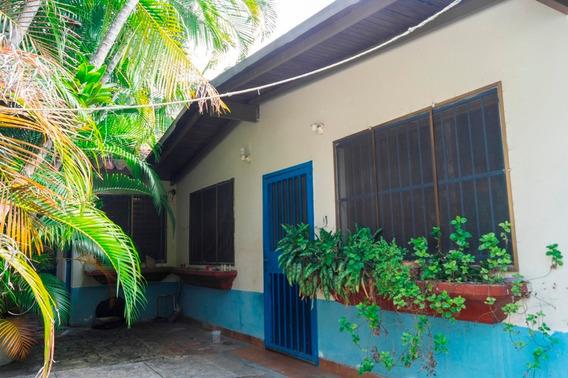 Casa En Venta En El Castaño, Sector Ojo De Agua