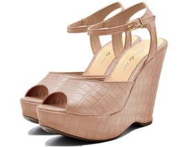 481a9edcd0 Crocs Com Salto Anabela - Sapatos no Mercado Livre Brasil