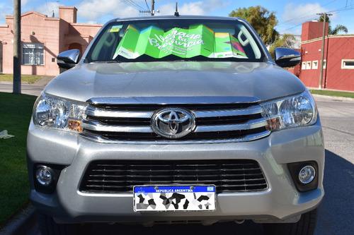 Toyota Hilux Srv 4x4 2.8 At