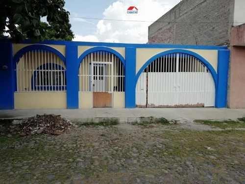 Casa Sola En Venta Venta, A Una Cuadra De Av. Niños Héroes, Atrás Del Atracadero