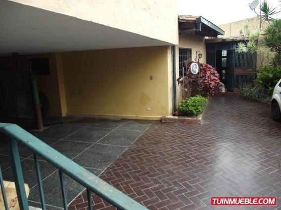 Casa En Venta Urb. Terrazas Del Club Hipico Cod. 19-2993