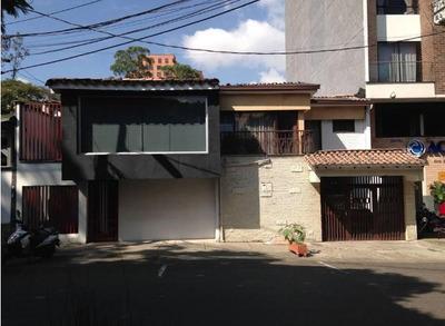 Casa De Oficinas En El Sector Provenza De Medellin