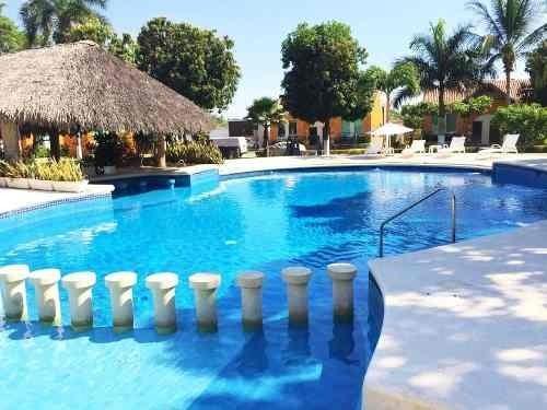 Casa En Venta En Punta Diamante Con Alberca