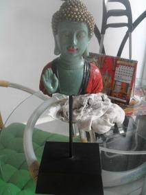 Buda Tailandes Em Base De Madeira